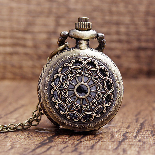 Fashion Bronze Vintage Spider Web Hollow Pocket Watch Necklace Quartz Small Cute