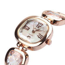 Dama de la moda de Las Mujeres reloj de pulsera Retro de la vendimia de la pulsera de Cristal rhinestone Shell Vestido horas Regalo de Cumpleaños de la Muchacha de Lujo
