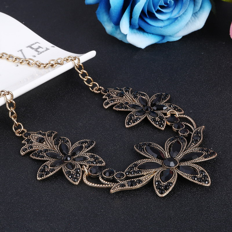 19 Fashion Designer Chain Choker Statement Necklace Women Necklace Bib Necklaces & Pendants Gold Silver Chain Vintage Jewelry 19