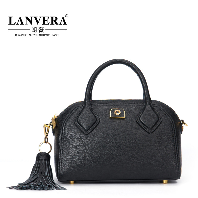 LANVERA/ Lang Wei in the autumn of 2017 new European fashion leather fringed bags Crossbody Bag lanvera lang wei 2017 new head layer cowhide fashion shoulder laptop messenger leather handbag