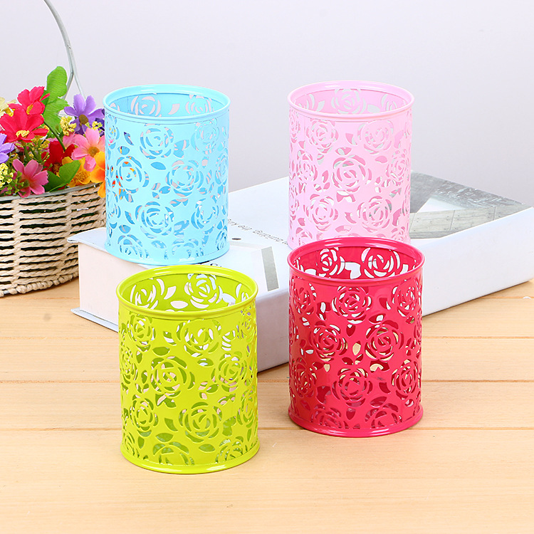 1 Pcs Metal Hollow Rose Flower Design Cylinder Pen Pencil Pot Holder Storage Pen Case Stand Container Office Stationary Supplies