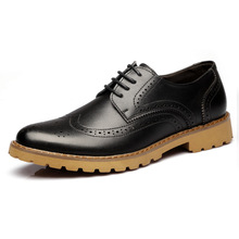 2017 New Bullock Carved Leather Shoes Men Casual Dress Flats Shoes Retro British Style Men's Shoes Black Brown Oxfords Shoes 2.5