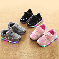 2016 New European Fashion Shining LED Lighted Children Casual Shoes Hot Sales Fashion Cool Girls Boys