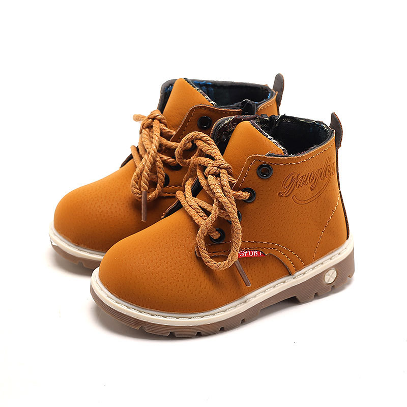 In the autumn of 2017 new shoes wholesale small boys shoes leather boots leisure childre ...