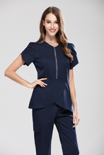 2018 New Fashion Medical Scrubs for Nurses