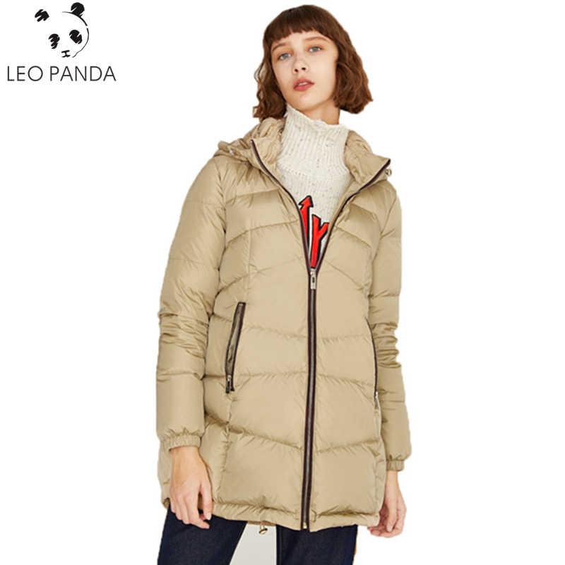 Новинка, модель высокого качества зимние свободные пальто парка Большие размеры Для женщин легкие куртки дамы с капюшоном женские белые стеганые куртки C 106