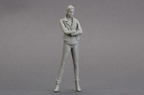 1/18 90mm Long Hair Girl Standing 90mm   Toy Resin Model Miniature Kit Unassembly Unpainted