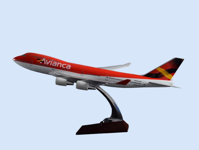 47cm Columbia Airlines Airplane Model Resin B747 Avianca Airways Airbus Model Arabia Aircraft Airplane Airways A320 Gift Toy 47cm shunfeng white boeing 757 resin sf express airlines airplane model b757 cargo airbus logistics airways aircraft plane model