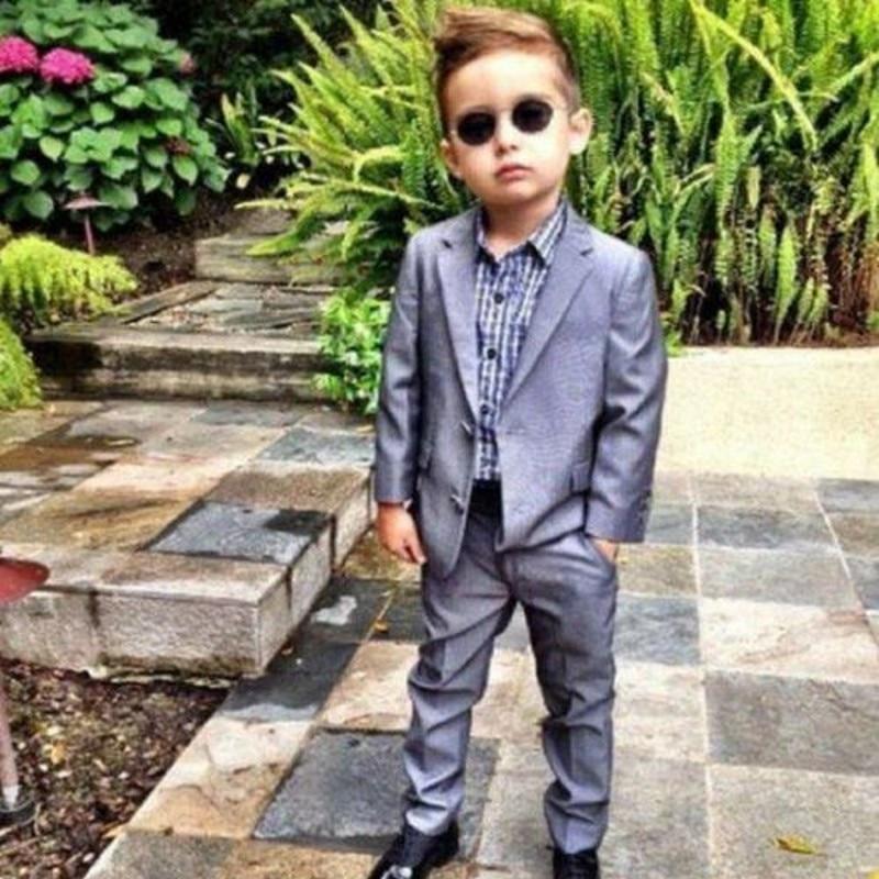 2016 Di Alta Qualità Scuro Argento Bambini Tuxedo (giacca + Pantaloni) Ragazzi A Buon Mercato Abiti Da Sposa Carino Occasione Formale Abbigliamento Rimozione Dell'Ostruzione