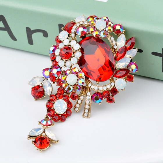1X Special Sparkle Red Crystal Rhinestone Flame Red Lips Small Brooch Pin Brooch