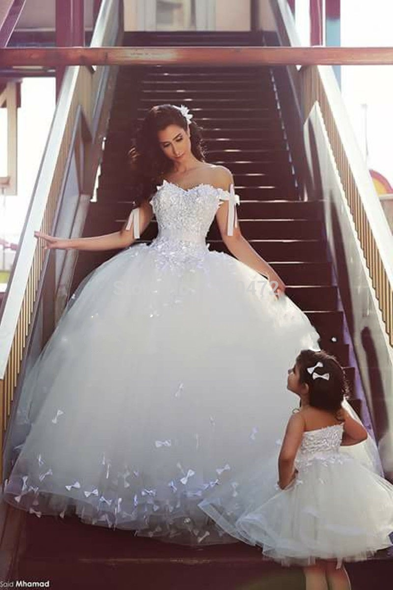 Y Off Shoulder Wedding Dresses Close Mother Daughter Matching Dress Bridal Fashion Surround Bow Knot Edge Ball Gown In From