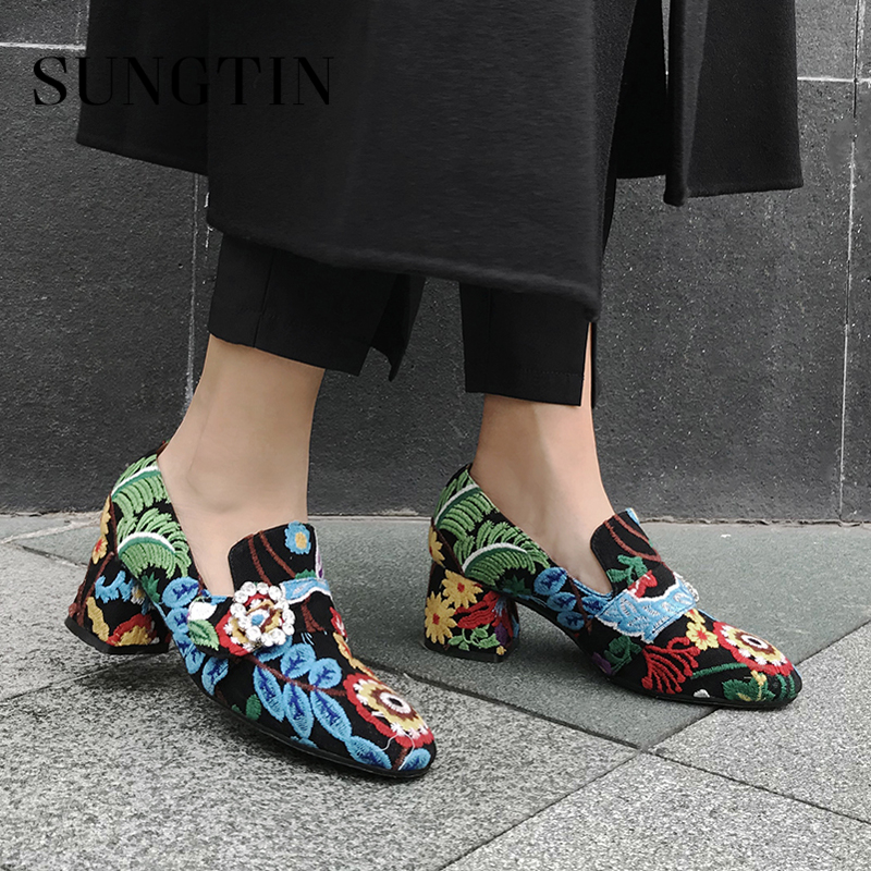 Sungtin Spring Autumn New Women Vintage Party Pumps Crystal Floral Embroidery Mid Heel Shoes Casual Flock Plus Size Ladies Shoes plus size floral embroidery dress