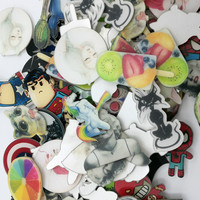 Gernro Random 1 Set 200 PCS Acrylic Badges Free Shipping Badges on Backpack Anime Icons Badge on A Pin Icon for Clothes