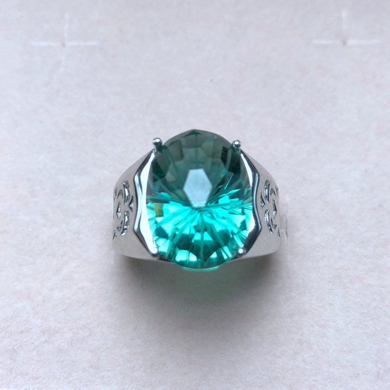 Atmospheric men's ring, natural green crystal, authentic color, good quality, 925 silver