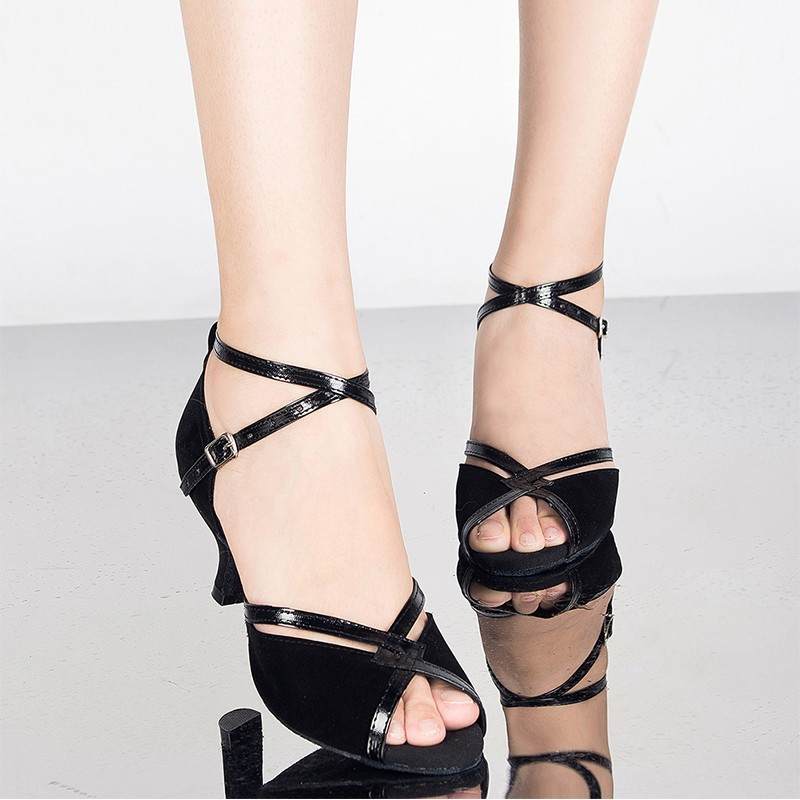 Brand New Arrival Black Gold Satin Latin Dance Shoes Ballroom Dancing Shoes Salsa Party Square Dance Shoes 8Cm High Heel