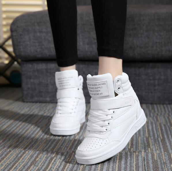 Marcas de Primavera Otoño Tobillo Botas Tacones Zapatos de Las Mujeres Zapatos Casuales Altura Aumento de Zapatos de las Cuñas de Super Top Blanco Negro Mezclado