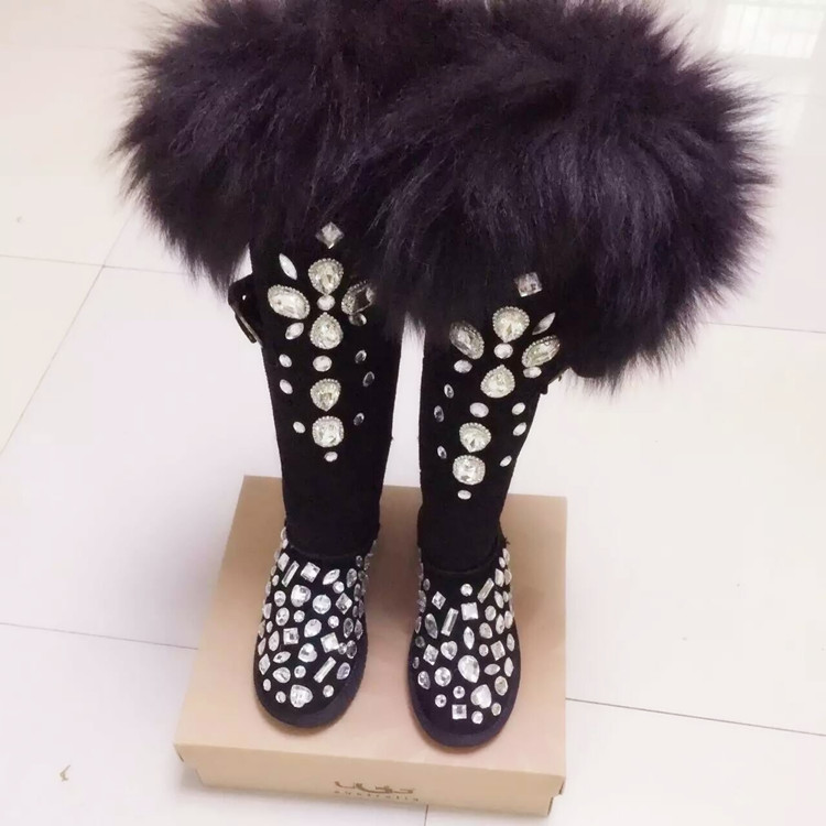 Women luxury crystal snow boots round toe flats stylish diamonds short booties top quality winter boots women цена 2017