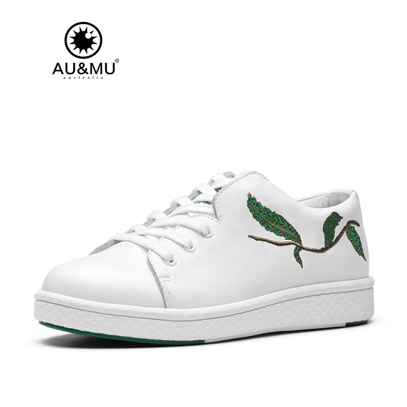2018 AUMU Australia Brand New Embroidery Branch Design All-white Shoes G708 2018 aumu australia rhinestone shiny