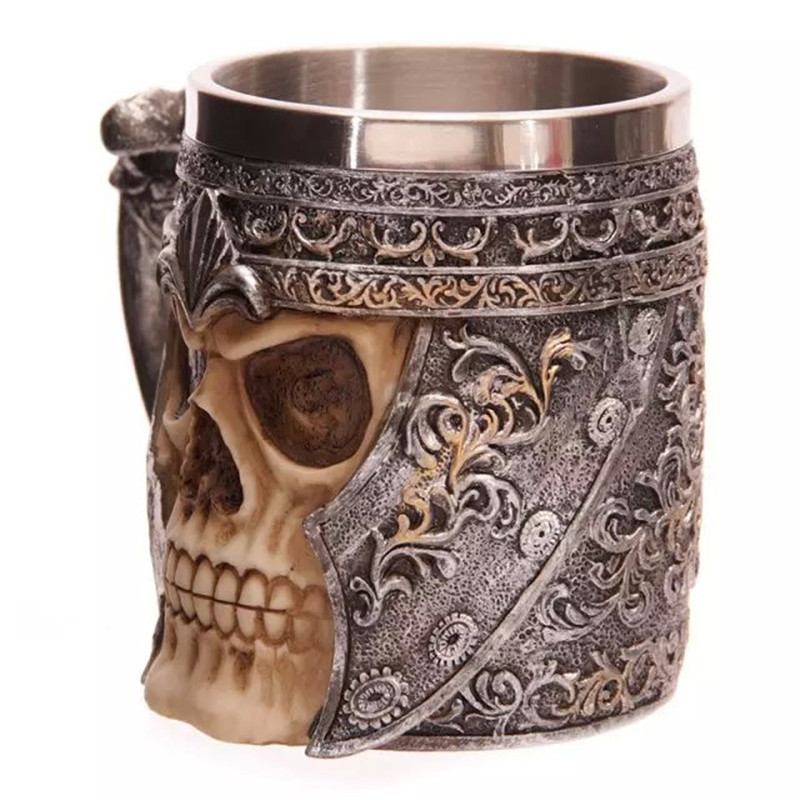 Hot selling Striking Skull Warrior Tankard Viking Skull Beer Mug Gothic Helmet Drinkware Vessel Free Shipping