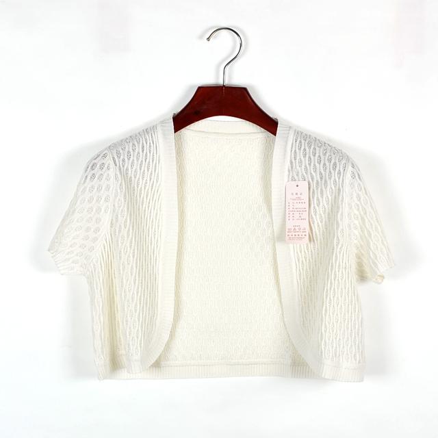 Verano de las mujeres de seda encogimiento pequeño cabo abrigo blanco y negro de manga corta seda de mora