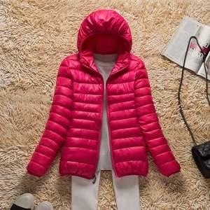 Image 2 - Новинка 2019 года; сезон осень зима; ультра легкий пуховик для женщин; ветрозащитные теплые женские легкие пуховые пальто; большие размеры; парки