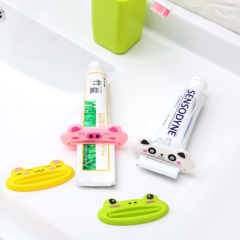 1Pcs Novelty Creative Cute Animals Frog Pig Cat Portable Plastic Toothpaste Squeezer Bath Toothbrush Holder Bathroom Set F2481 image