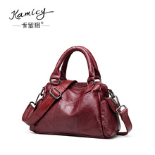 Women handbag 2017 summer  new  fashion one shoulder  bag  leather handbag retro  high-capacity Boston bag  stitching soft skin