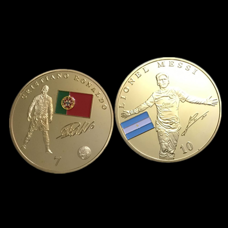 2 pcs A world cup football star badge Messi and Ronaldo sport 24K real gold plated soccer player 40 mm souvenir decoratio coin image