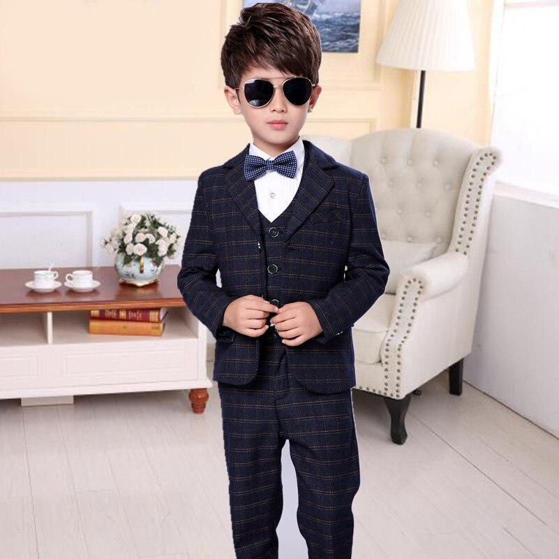 2018 new style children's fashion suit plaid jacket British wind casual boy performance performance dress suit 3pcs / set цены