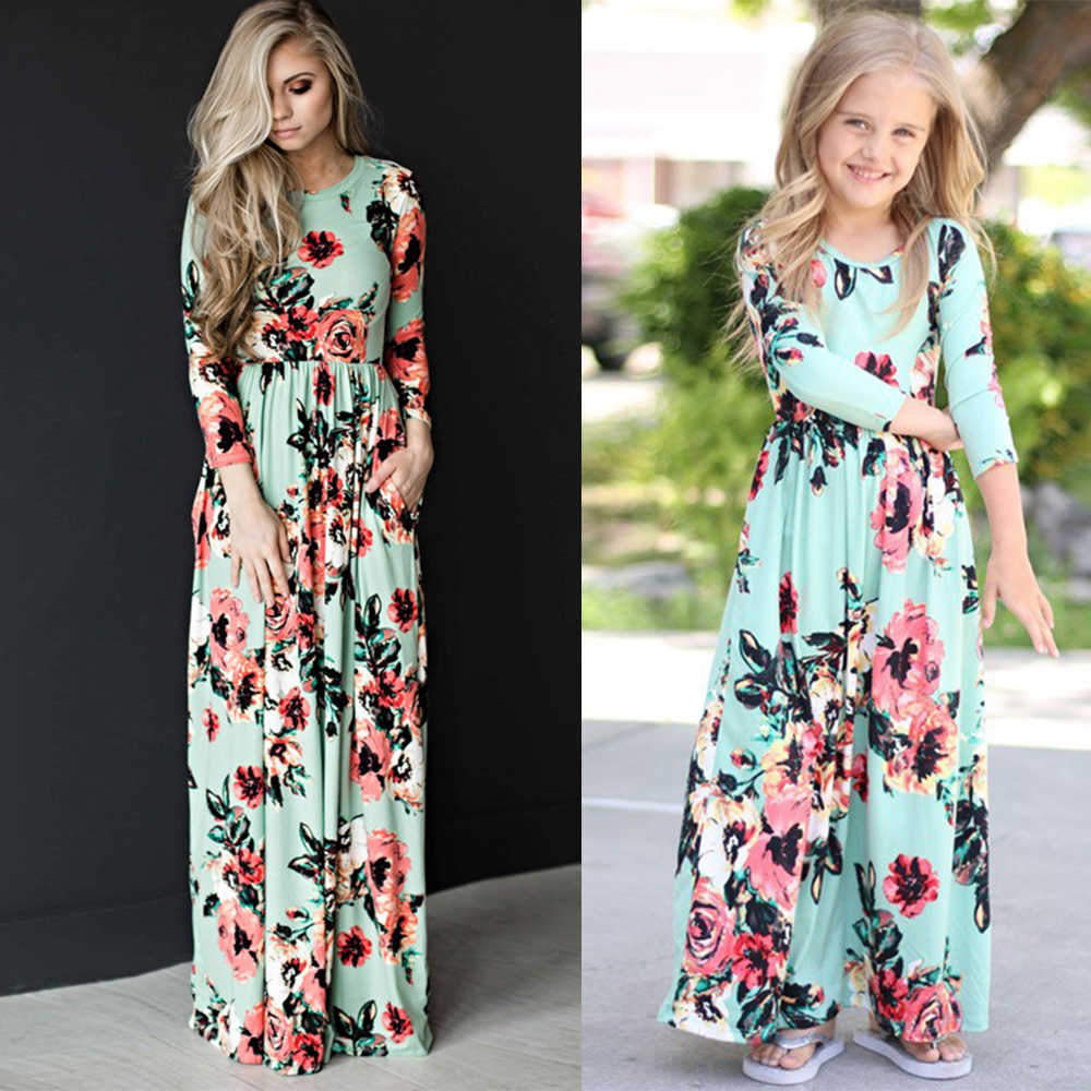 4ebe02e9d3267 chifuna Mother Daughter Bohemian Maxi Dress Family Matching Outfits 2018  Fashion Mommy and Me Floral Long Dress Family Fitted