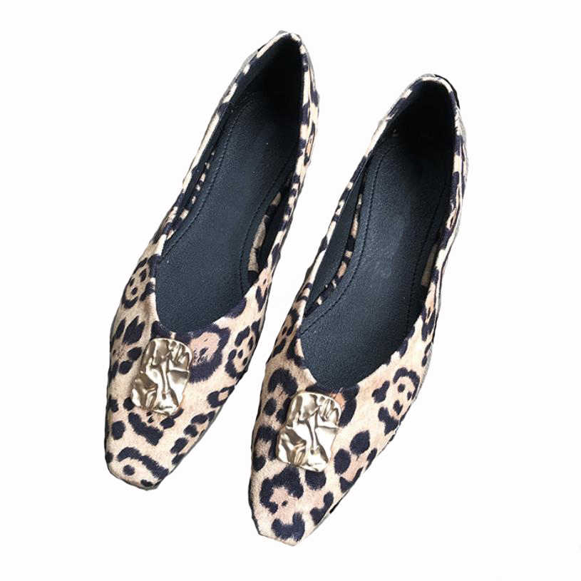 女性靴の女性の本革フラットシューズ女性のカジュアル作業バレエフラッツ女性大きなサイズの女性靴