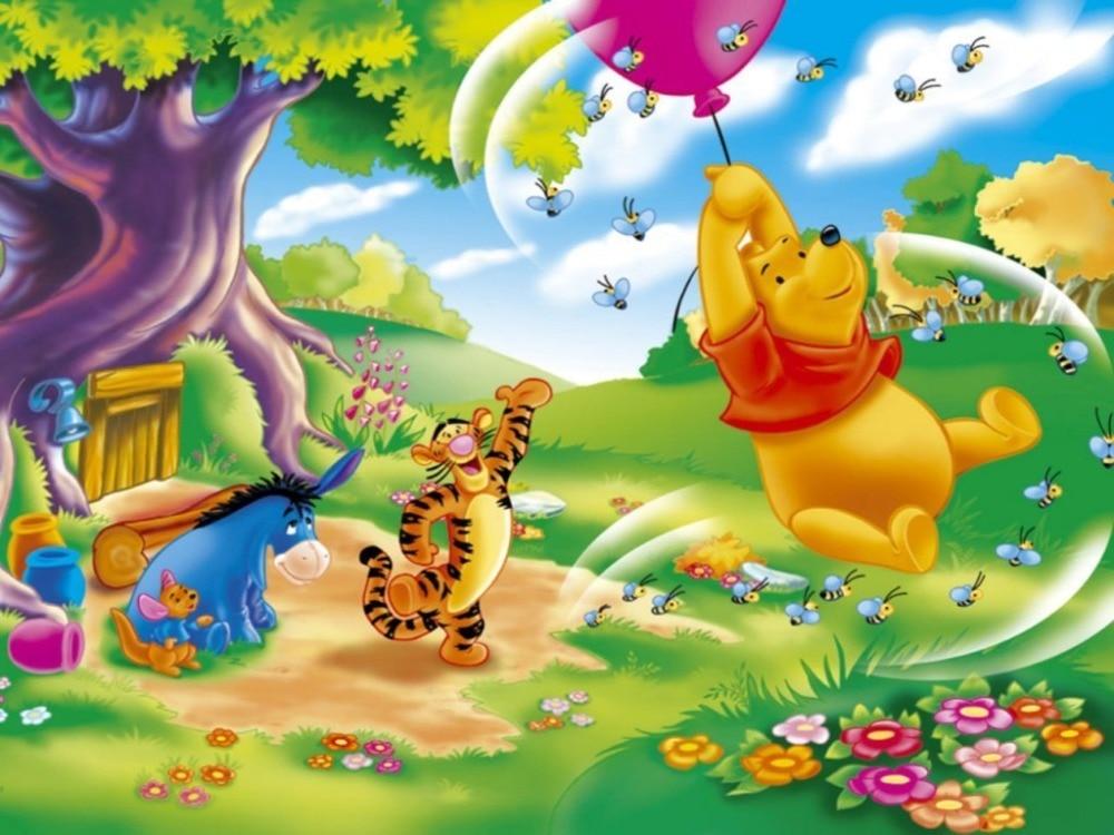 Pooh_Wallpaper_-_Pooh_Riding_Balloon