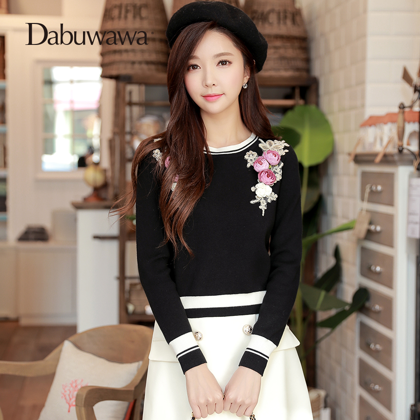 Dabuwawa New Womens Black Long Sleeve Sweater With Flowers Vintage O Neck Knitted Pullover Sweater D18AJS016