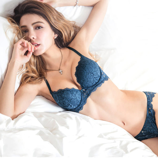 Hot Sexy Push Up Bra Set Brand Deep V Brassiere Thick Cotton Women Underwear Set Lace Blue Embroidery Flowers Lingerie B C Cup