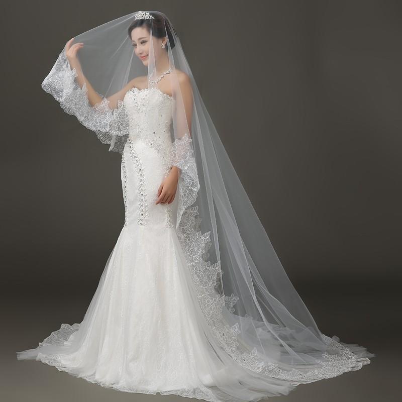 Lace Edge Long Wedding Veil 2