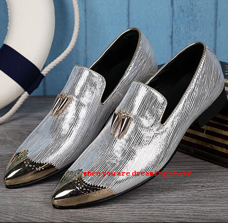 Spring/Autumn Men Fashion Metal pointed Toe Casual Shoes Slip On Flat Lether shoes Men Popular Wedding shoes Led shoes