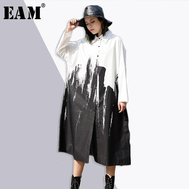 [EAM] 2018 новая весна с лацканами Длинные рукава нерегулярные Всплеск чернила Печатный Свободные Большие размеры длинная рубашка Леди Блузка модные тенденции je41401