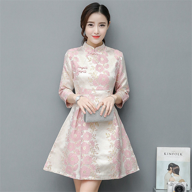 1a4dc697694 Sexy Courte Cheongsam Robe Moderne Qipao Robes Casual Femmes Qi Pao Chinois  Traditionnel Robe Oriental Robe