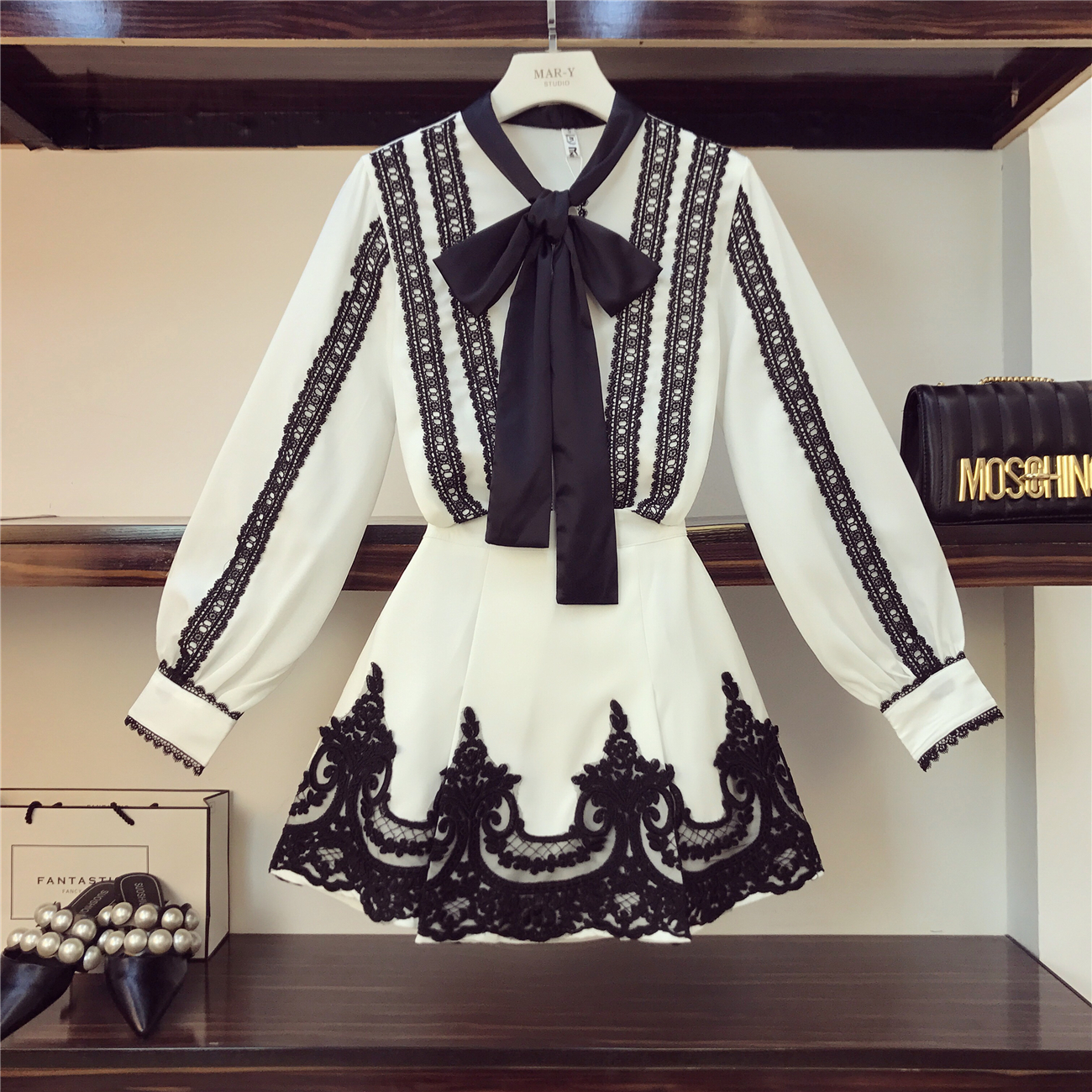 2019 Spring New Fashion French Court Style Bow Elegant Shirt + Black Lace Patch Skirt Two piece Girls Ladies Skirts Set Women