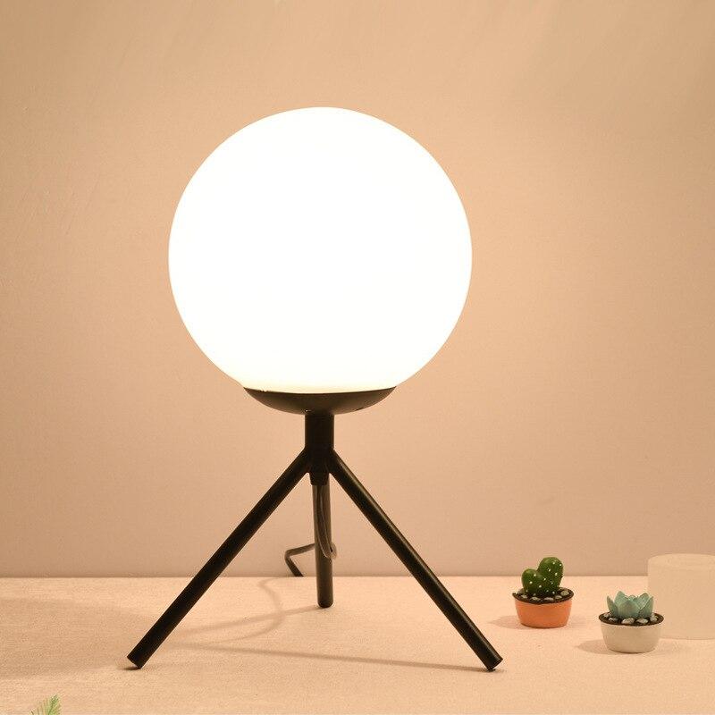 Moderne LED lampe de Table lampe de bureau lumière ombre verre boule lampe de Table lumière de bureau pour chambre salon plancher chevet or Designs