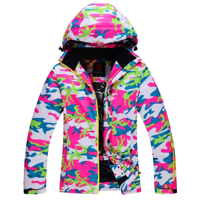 Prix pour Livraison Gratuite Étanche Sportwear Femme Ski Veste Camouflage À Capuche Conception Respirant En Plein Air Manteau Garder Au Chaud