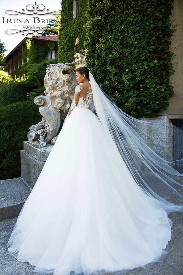 c5545d3cc2 abito da sposa Long Sleeve Lace Appliqued See Through Snow White Wedding  Dress With Sleeves-in Wedding Dresses from Weddings   Events on  Aliexpress.com ...
