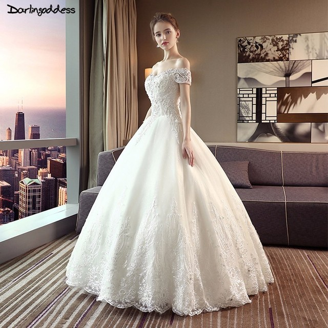 Vestido De Noiva Luxury Ball Gown Wedding Dresses 2018 Plus Size Ivory  Elegant Wedding Dress Short Sleeve Lace Wedding Gowns 7a45960f2b65