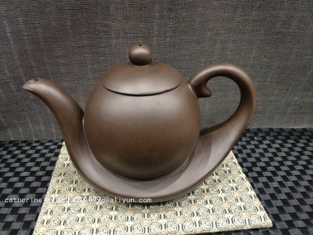 Unique Old Chinese YiXing Handcraft puyple Clay Teapot, Streamline, with mark, Free shippingUnique Old Chinese YiXing Handcraft puyple Clay Teapot, Streamline, with mark, Free shipping