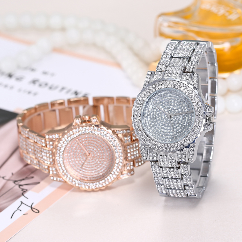 2019 Watches Woman Full Diamond Bracelet Watch Luxury Casual Ladies Clock Round Analog Quartz Sports Wrist Relogio feminin