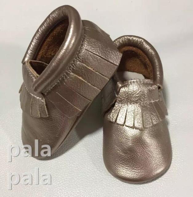 Nuevos zapatos de bebé de cuero genuino mocasines de borla zapatos con suela de goma Prewalker Primeros Caminante de la muchacha zapatos de Los Niños