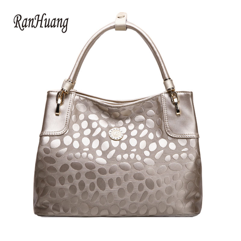ФОТО RanHuang Women Genuine Leather Handbags 2017 Stone Design Top-handle Bag Ladies Luxury Handbags Fashion Shoulder Bags Black A102