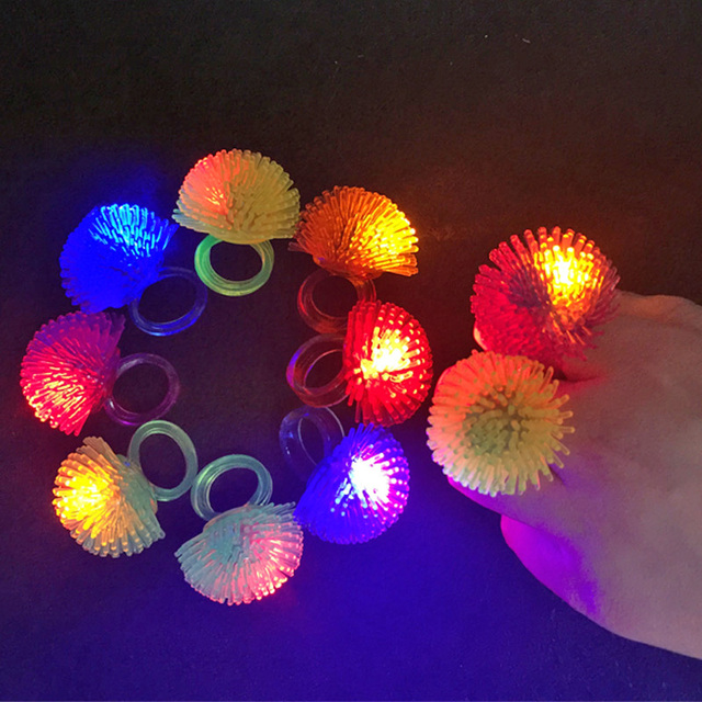 50 Uds anillo Led de moda anillo suave Cambio de anillo parpadeante brillo intermitente boda fantasía Halloween fiesta Disco decoración para anillo de juguete