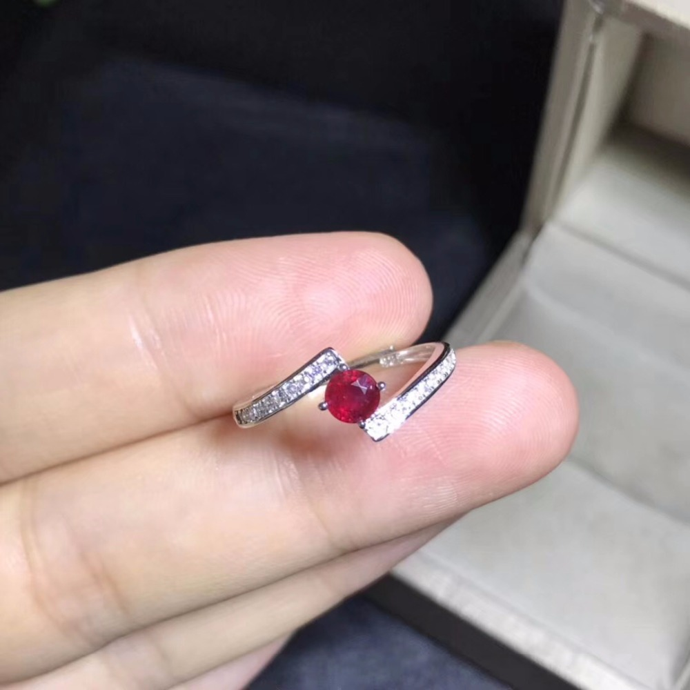 Natural ruby ring, 925 sterling silver, simple and exquisite style, cheap price, recommended by the owner, authentic color