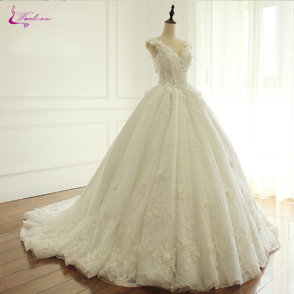 Waulizane Lace Up V Neckline Ball Gown Wedding Dress With Elagant Lace And 3d Flowers Sleeveless Bridal Dress-in Wedding Dresses from Weddings & Events